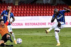 "Lukaku lập cú đúp, Inter Milan đại thắng ""5 sao"""