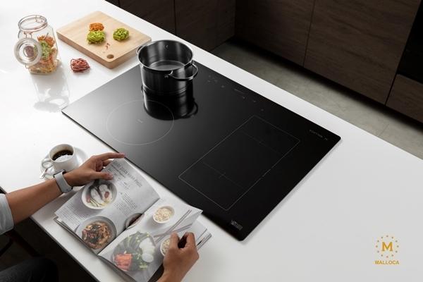 Căn bếp thời thượng với thiết bị sắc xám của Malloca