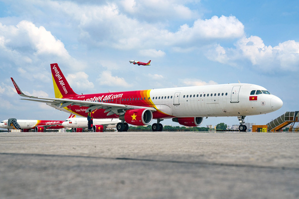 Waiting for govt rescue, airlines struggle to survive