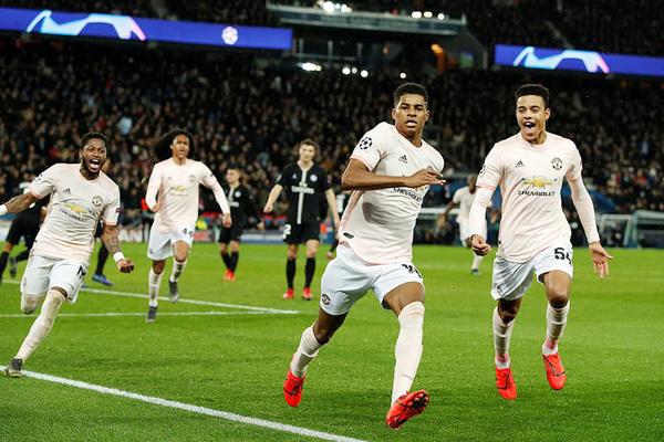 Bốc thăm Cúp C1: MU rơi bảng tử thần, Ronaldo chạm trán Messi