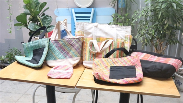 Eco-conscious startup makes handbags from discarded plastic bags