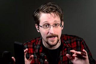 Mỹ đòi tịch thu 5,2 triệu USD tiền viết sách của 'tội đồ' Edward Snowden