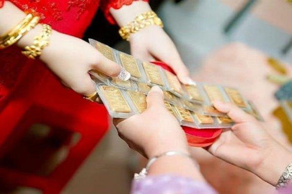 Mẹ chồng không chịu trả lại tiền vàng sau khi tôi ly hôn
