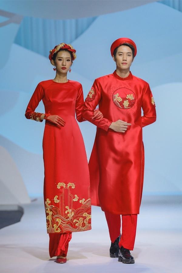 Thanh Hằng diễn catwalk cùng nền nhạc 'Trên đỉnh phù Vân'