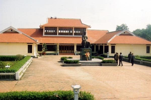 The celebrated pen of Nguyen Du