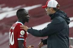 Klopp lo Covid-19 hại Liverpool, Lukaku nhắn MU tỉnh táo