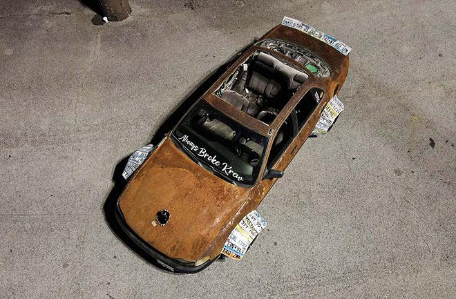 Toyota Camry phong cách 'rỉ sét' dị chưa từng thấy