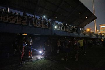 Đội của Văn Lâm có thể được xử thắng vì sự cố mất điện