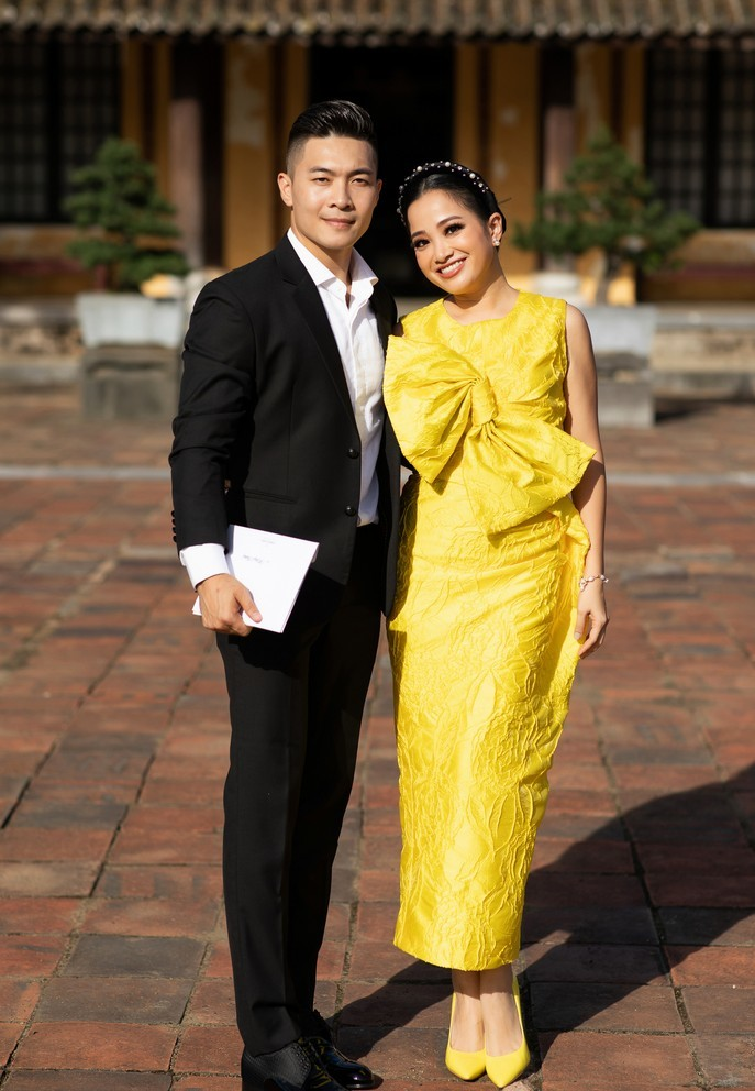 Hoa hậu Giáng My làm vedette show diễn thời trang tại Đại Nội Huế