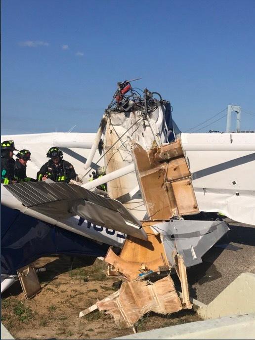 Máy bay đâm xuống New York, gây thương vong