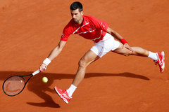 Djokovic tốc thắng vào tứ kết Roland Garros
