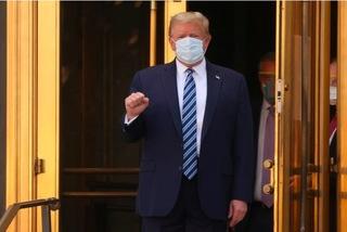 Ông Trump ra viện, trở lại Nhà Trắng