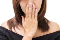 Mùi lạ cơ thể cảnh báo các bệnh gì