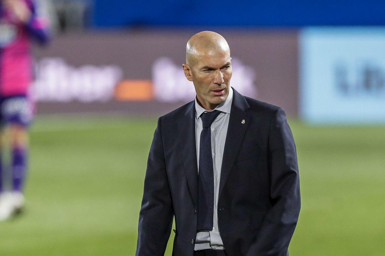 MU lấy Ismaila Sarr, Tottenham ký Joshua King