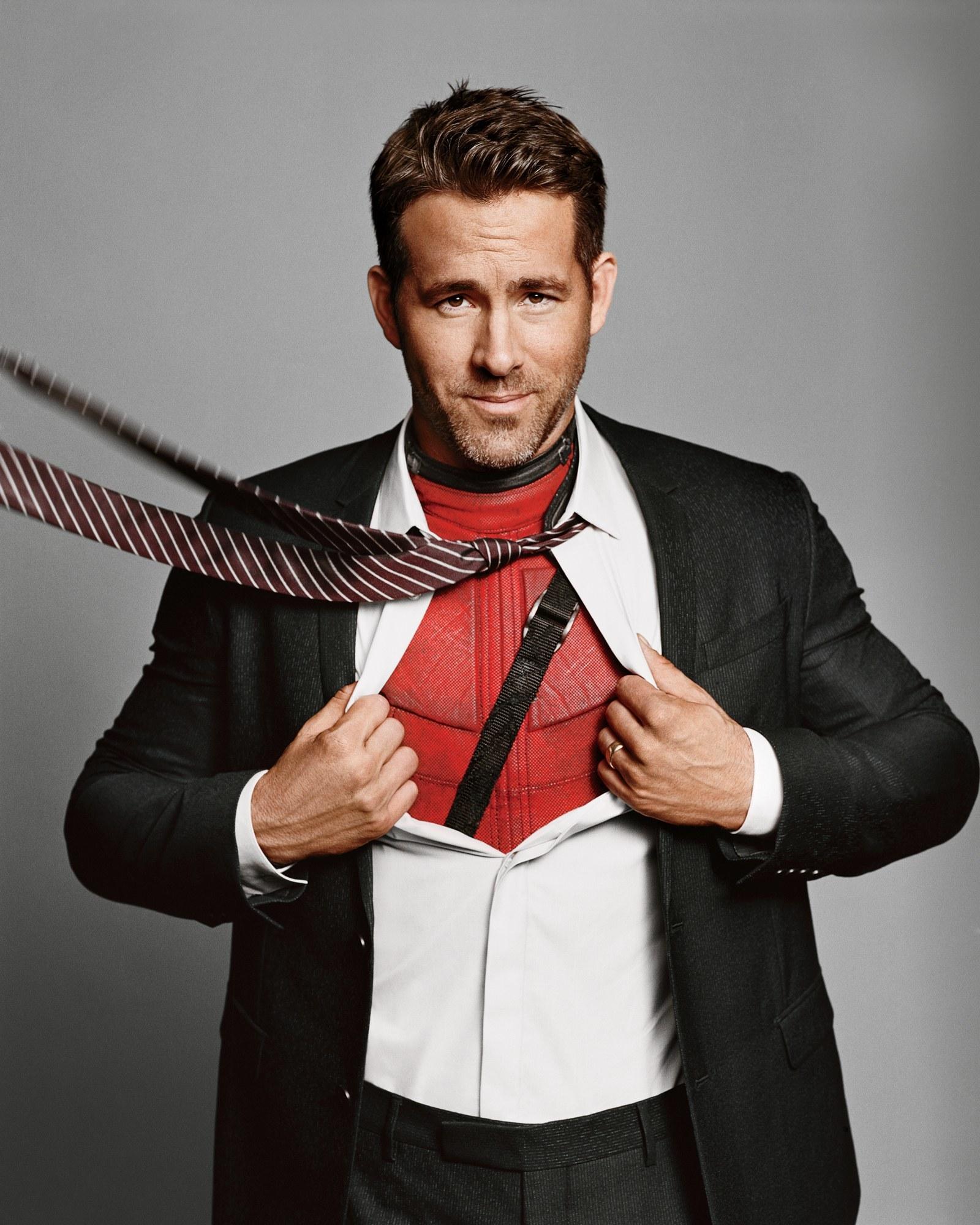 Ryan Reynolds trở lại màn ảnh với phi vụ cứu game hài hước
