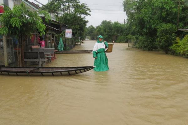 Mưa cực to, miền Trung nguy cơ ngập lụt diện rộng