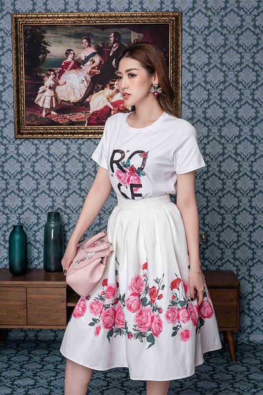 Á hậu Tú Anh ngọt ngào quyến rũ với váy hoa
