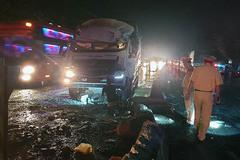 Xe khách va chạm với xe tải làm 1 người chết, 19 người bị thương