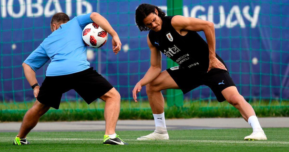 MU cẩn thận Cavani, Mourinho mừng rỡ Bale