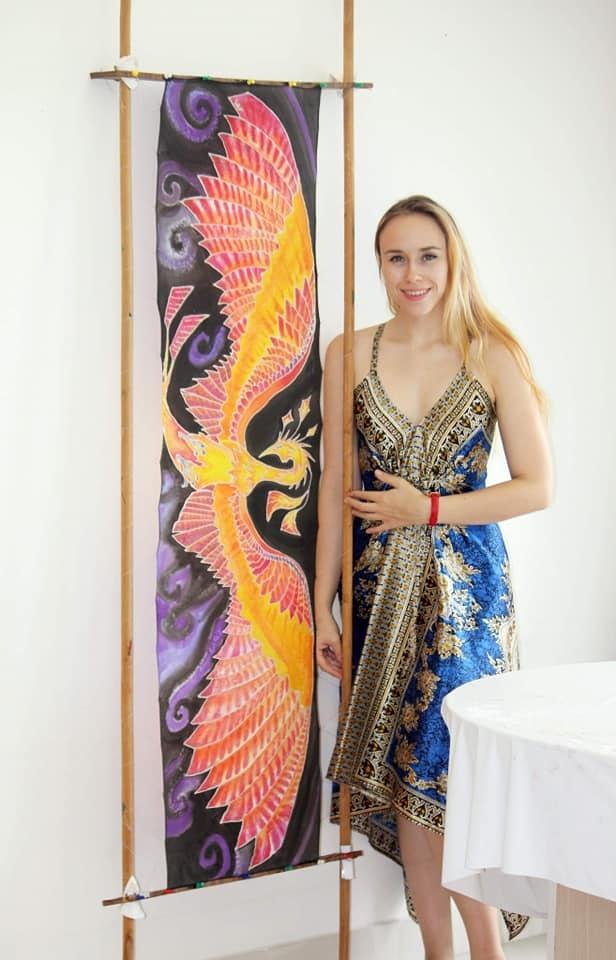 Người phụ nữ ngoại quốc mê áo dài, đưa lụa Việt Nam ra thế giới