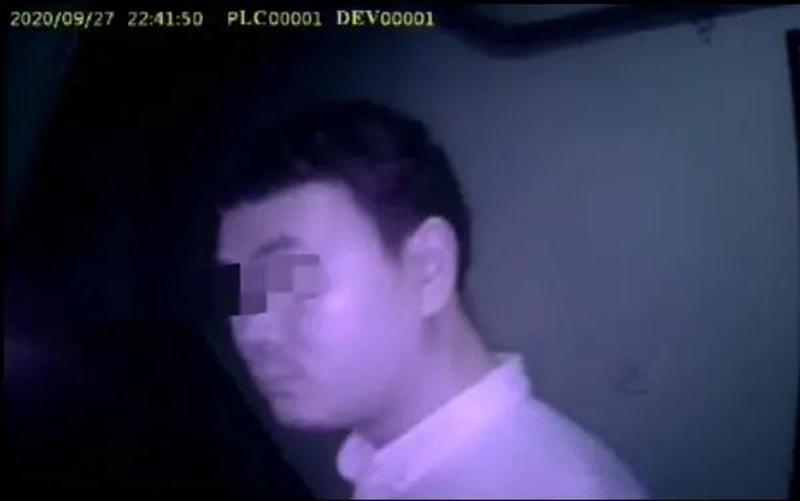 Người đàn ông bị bắt vì 'đặt tay lên đùi' cô gái suốt chuyến bay