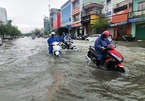Bão số 6 đổ bộ đất liền, miền Trung tiếp tục hứng ngập lụt