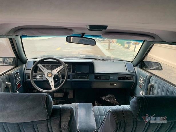 'Xế độc' Oldsmobile Cutlass Ciera 32 năm tuổi giá hơn 400 triệu tại Hà Nội