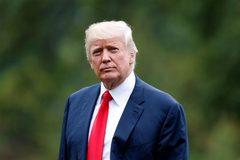 Bầu cử cận kề, ông Trump căng mình lo thoát thế kẹt