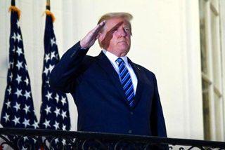 Bác sĩ khẳng định sức khỏe tiến triển tốt, ông Trump trở lại phòng Bầu dục