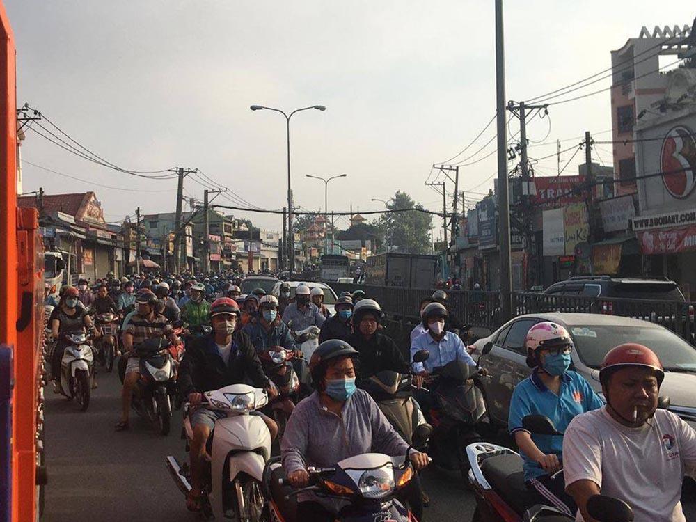 Băng trộm đi ô tô bị truy đuổi tự gây tai nạn, ngàn hộ dân mất điện