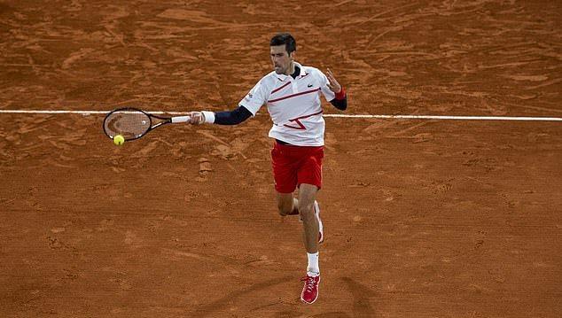 Djokovic ngược dòng vào bán kết Roland Garros