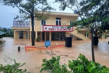 Thủ tướng yêu cầu không để gia tăng ngập lụt miền Trung do xả lũ nhân tạo