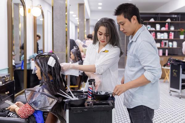 Bắc Trần Tiến - chuỗi salon tóc hút sao Việt