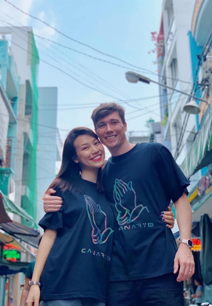 chong tay hoang oanh dien trai nhu tai tu cung chieu vo het muc 16 Sao Việt hôm nay 25/2: Phút bình yên của Chí Trung và bạn gái ở quê