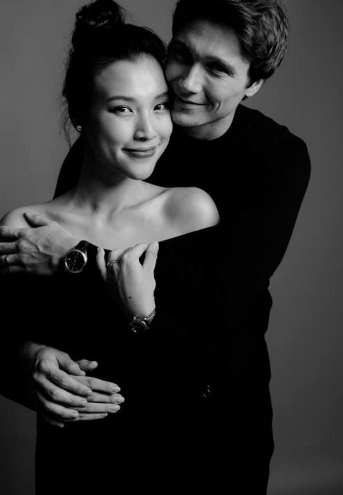 chong tay hoang oanh dien trai nhu tai tu cung chieu vo het muc 20 Sao Việt hôm nay 25/2: Phút bình yên của Chí Trung và bạn gái ở quê