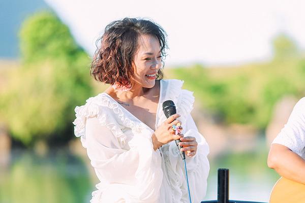 Thái Thùy Linh: 'Nhạc sĩ Trần Tiến động viên tôi rất nhiều'