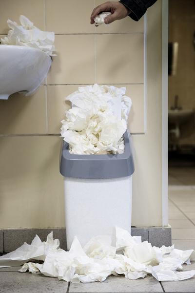 Sợ nhà vệ sinh trường học, không chỉ học sinh