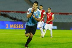 Suarez lập công, Uruguay hạ Chile phút 93