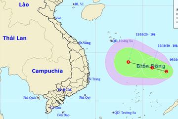 Biển Đông xuất hiện vùng áp thấp giữa lúc miền Trung oằn mình chống lũ