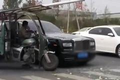 """Đâm trúng Rolls-Royce, người lái xe ba gác """"ngất"""" khi nghe tiền đền bù"""