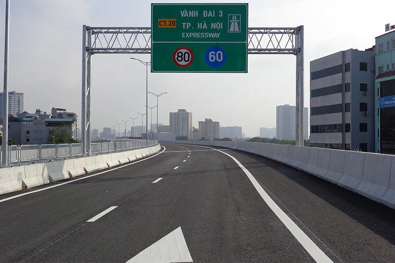 Ngắm tuyến đường trên cao hơn 5.300 tỷ ở Hà Nội trước ngày thông xe