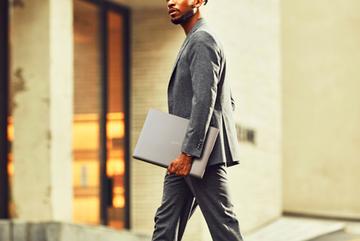 LG gram 17 -mẫu laptop cho doanh nhân hiện đại