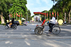 "Hoan Kiem Lake ""changes"" its appearance"