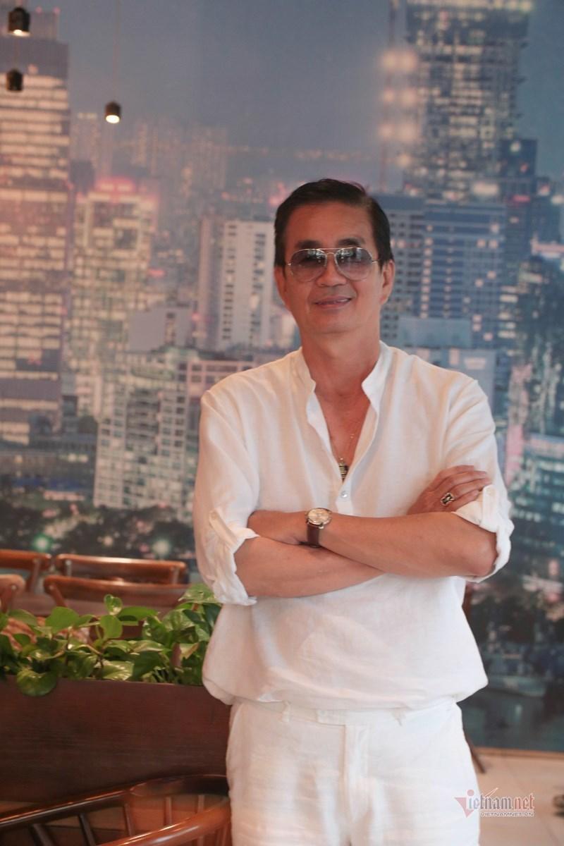 'Bản sao' Nguyễn Hưng: 3 đời vợ, 62 tuổi vẫn đào hoa phong tình