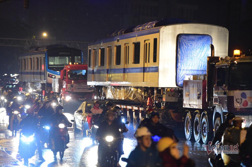 Tàu metro số 1 về tới depot Long Bình