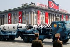 Triều Tiên duyệt binh quy mô lớn
