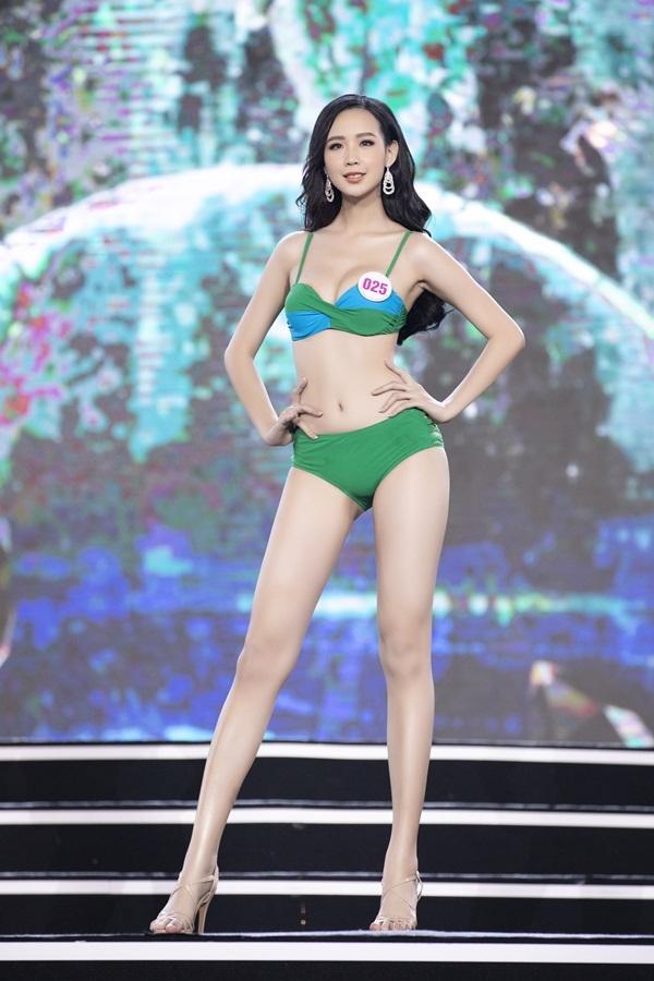 Top 40 nóng bỏng trình diễn bikini bán kết Hoa hậu Việt Nam 2020