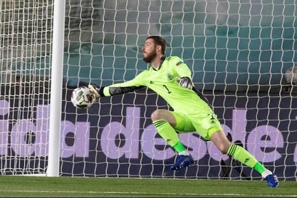 De Gea cứu thua khó tin, Tây Ban Nha xây chắc ngôi đầu