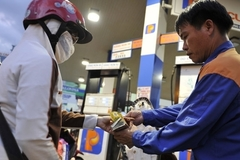 Giá xăng hôm nay đảo chiều, vào đợt tăng mới