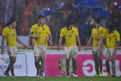 Thái Lan thua đội hạng 2, Akira Nishino đổ lỗi trời mưa